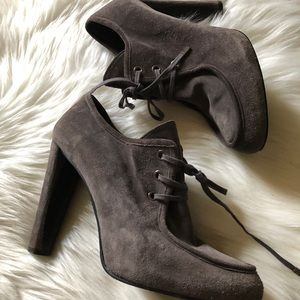 Stuart weitzman booties heels suede gray sz:9 Cute